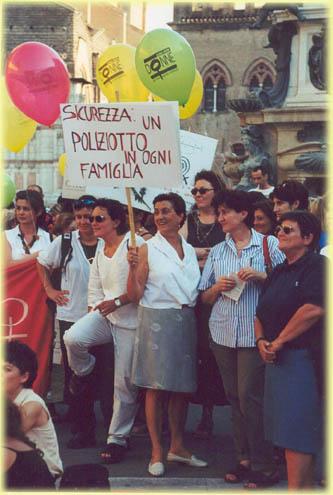Manifestazione tenutasi a Bologna il 9 giugno 2000